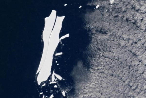 科学家研究发现最大冰川B-15正在不断的消逝之中