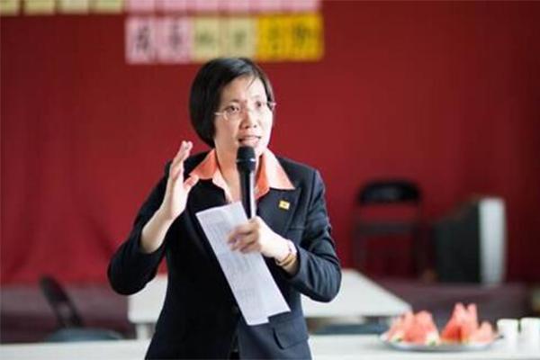 台湾民众厌倦蓝绿,选民意见成为年底大选的关键