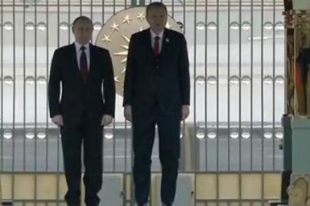 普京访问土耳其,还出席了阿库尤核电站开工典礼
