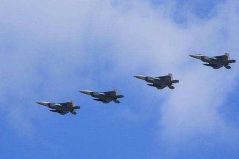 美军猛禽战机抵韩,引发外界猜测