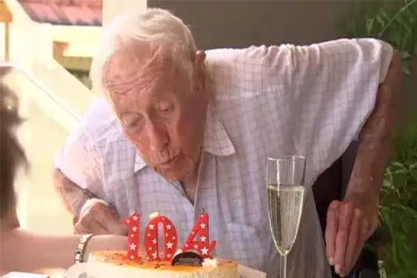 104岁老人将安乐死,他想要有尊严地死去