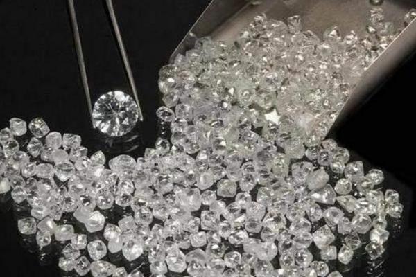 实验室种出钻石,仅用数天获得1克拉钻石