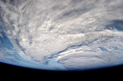 日本冲绳遇龙卷风,被评定为3级几十年来仅发生4次