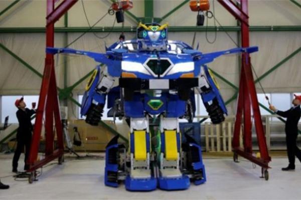 日本制造变形汽车,整个项目经历了15年时间