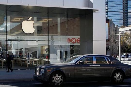 苹果前员工遭指控