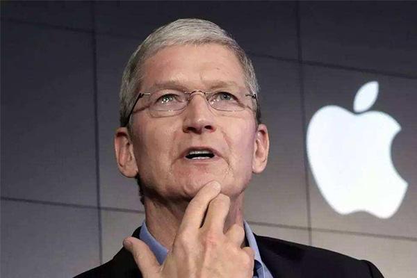 苹果市值破万亿美元