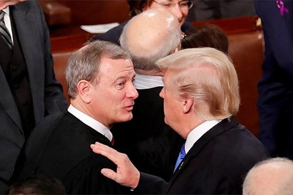 首席法官批特朗普