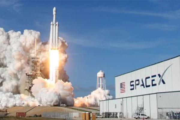 SpaceX载人飞船