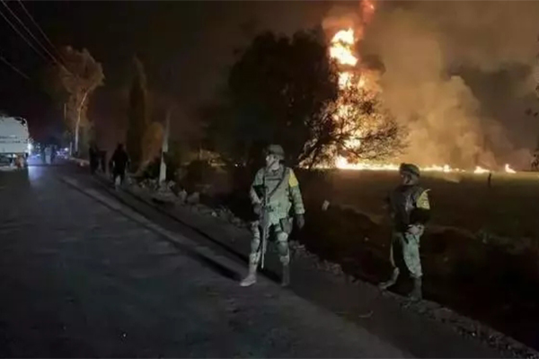 墨西哥爆炸71死,输油管遭非法开凿出严重意外事故