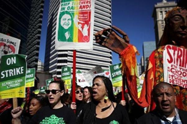 美奥克兰教师罢工,集体游行要求加薪12%