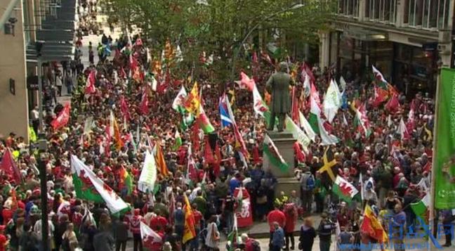 英国威尔士首次游行