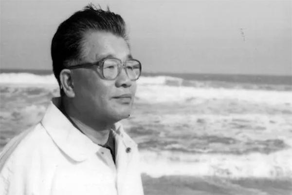 深圳首任书记逝世,他的一生跟随改革开放定格