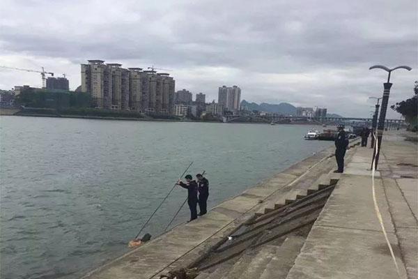 融江河面发现浮尸