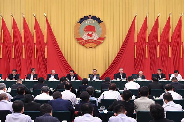 投资要承担风险,在会议上刘鹤还说了这些话