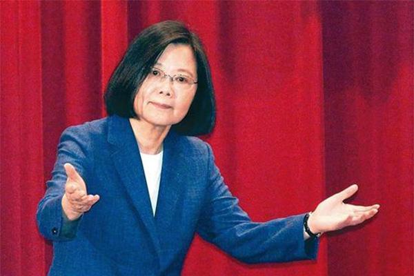 台湾教授评蔡英文,执政不到2年让台湾经济窒息