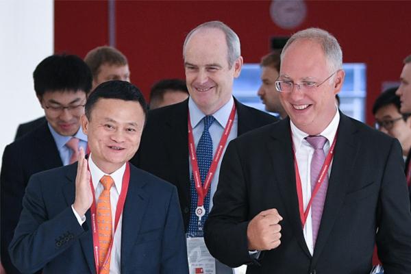 阿里成立合资公司,普京两次为马云鼓掌