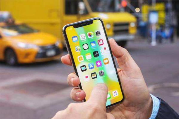 iPhone X 触控问题却苹果证实,用户可进行免费维修