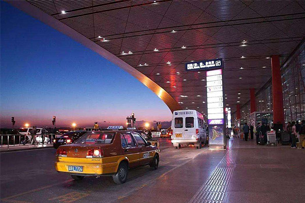 始都机场旅客破亿