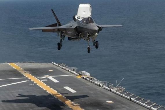 美军公开起降训练,飞行员赞F-35B性能优越