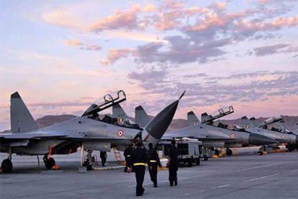 印媒继续吹嘘其苏30,其空军最高指挥官自信满满