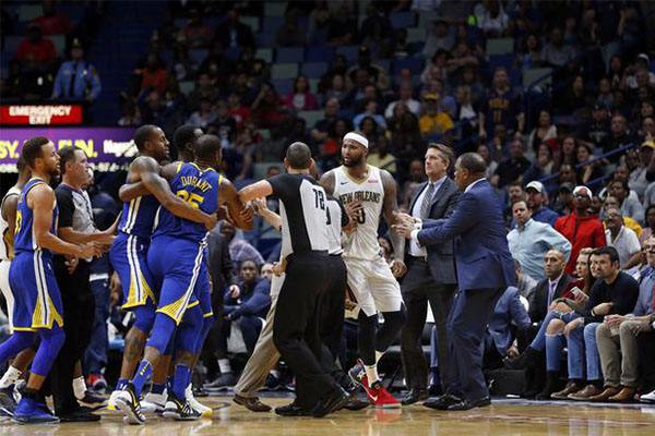 美国杨毅说NBA将取消,说出了球迷心声?