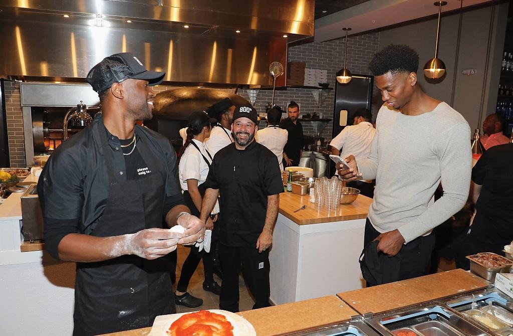韦德投资的餐厅开业