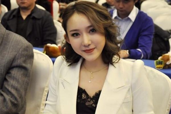 中国最美女老板或将卸任,中超将迎来第一个外国人总经理
