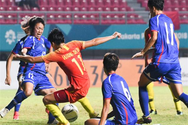 亚运金靴稳了,王珊珊5场12球带领中国女足进入决赛