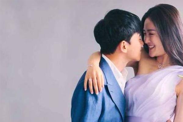 谢娜诞下双胞胎女儿,张杰收获人生中最重要的两颗星星