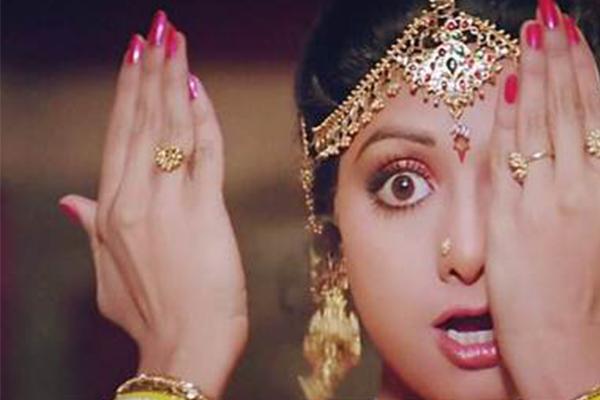 死去的女明星名单_印度国宝级女星突去世,参加婚礼时心脏骤停_明星八卦