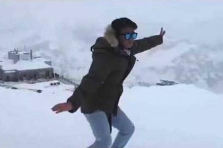王宝强雪山上打拳