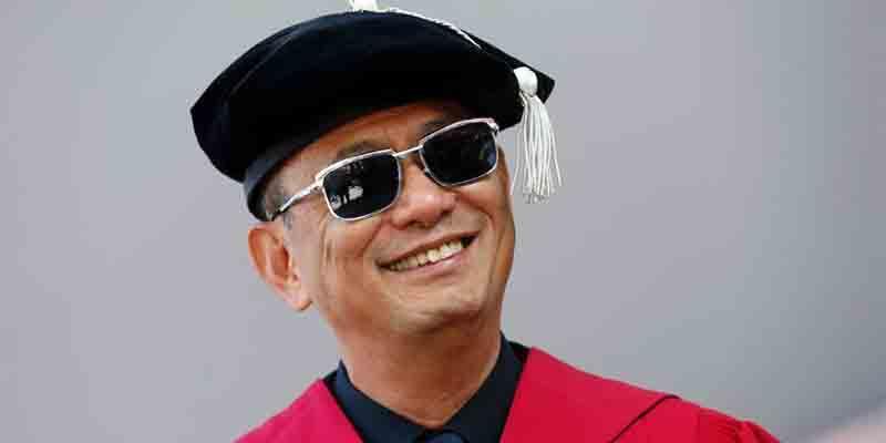 王家卫获荣誉博士,由哈佛大学正式授予