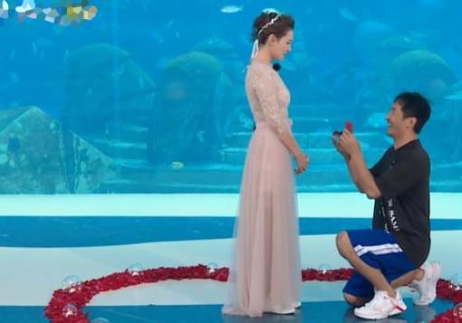 郭晓冬水下求婚
