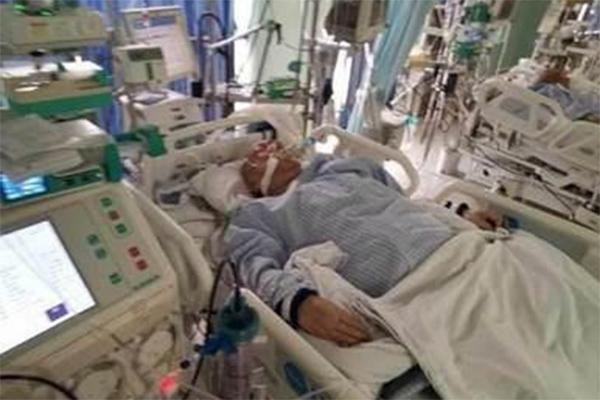 沈威送ICU抢救,躺病床插喉无法说话