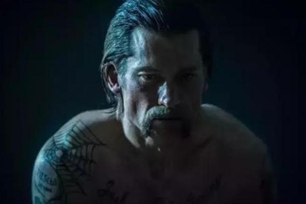 一部关于黑帮老大,关于父亲角色的黑帮电影,都是硬汉的味道