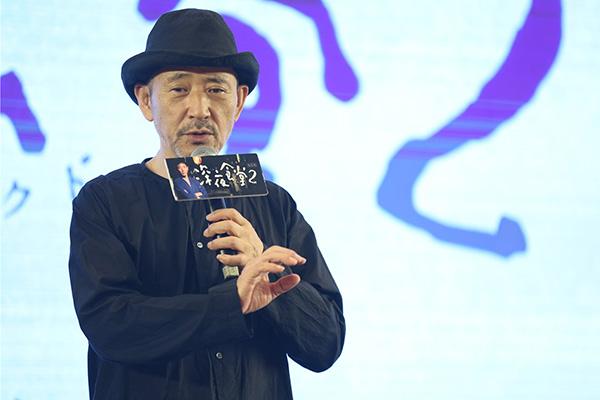 像小林薰这样的男人,沉默好像成了他大多数的魅力