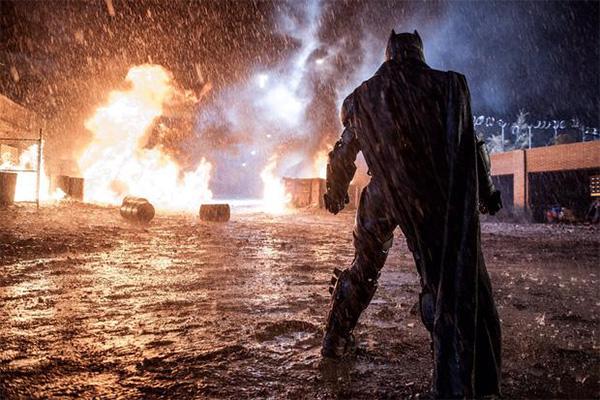大本回应卸任蝙蝠侠,不快乐成了离开的原罪