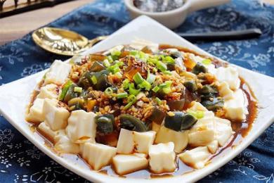 华人卖松花蛋被查,不适合人类的食物?