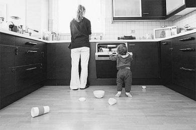 成都男性家务时间超过女性,后者更强调性别平等意识