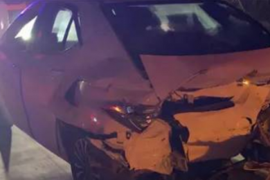 五一回程小伙开车拍视频报平安,不料拍下自己车祸瞬间