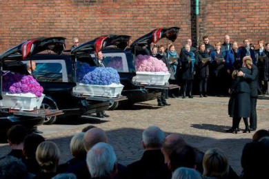 丹麦首富3子斯里兰卡罹难,皇室成员出席葬礼