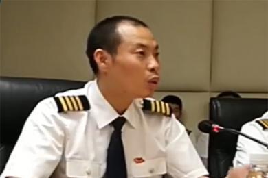 机长刘传健还原细节,安全性和下降速度是最为纠结的因素
