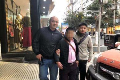 网逃被抓时儿子在场,民警维护父亲尊严延时抓捕