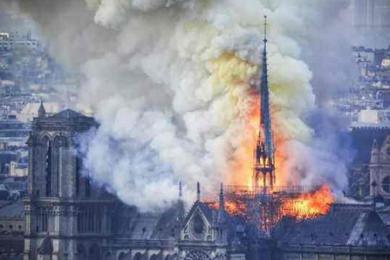 法国6名消防员涉嫌轮奸女游客被捕,曾在圣母院火灾立功