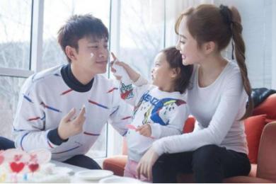 贾乃亮李小璐被曝离婚,经纪公司发声明为不实消息