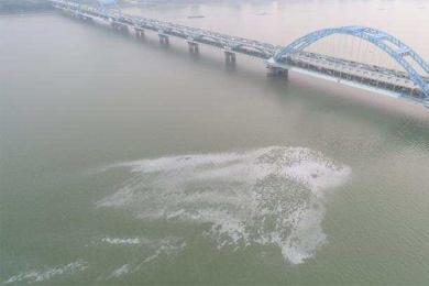 钱塘江漩涡原因曝光,民警专家奔赴现场着手调查
