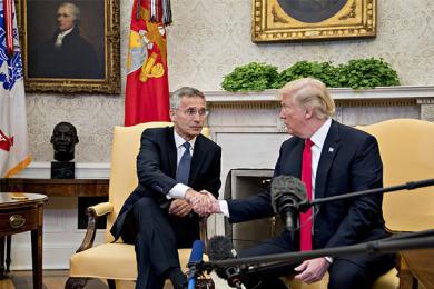 特朗普见北约秘书长,在白宫进行会面