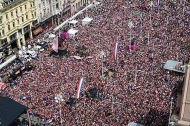 克罗地亚万人空巷疯狂庆祝,不是冠军胜似冠军