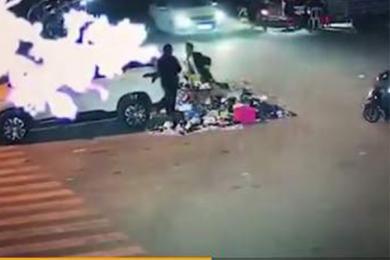 男子持刀伤人致1死,后选择跳江庆生