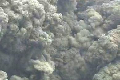 日本鹿儿岛火山喷发,火山碎屑喷涌影响范围扩大